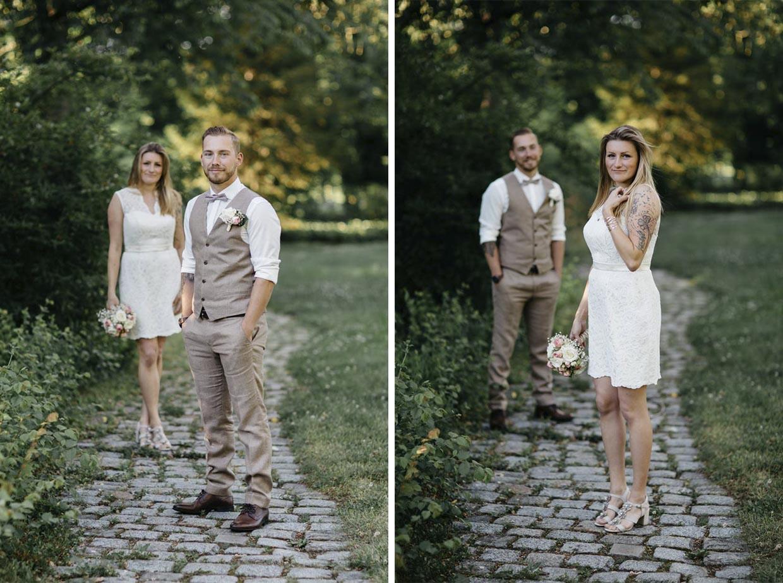 Braut und Bräutigam stehen jeweils versetzt