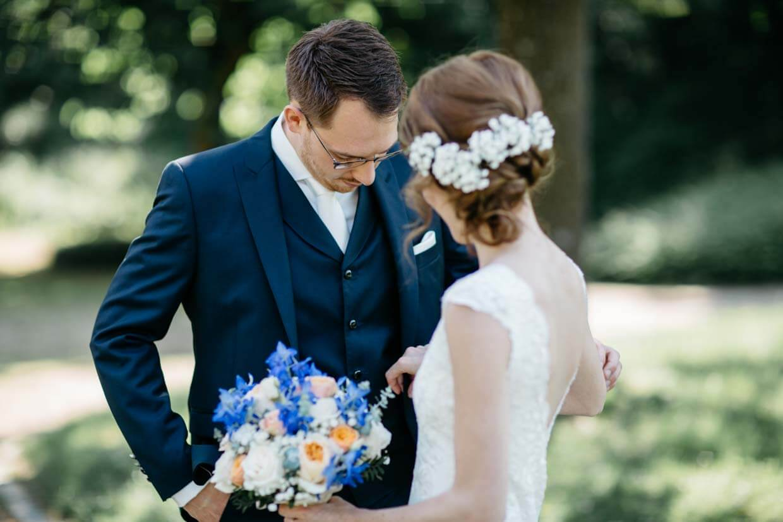 Braut und Bräutigam beim First Look