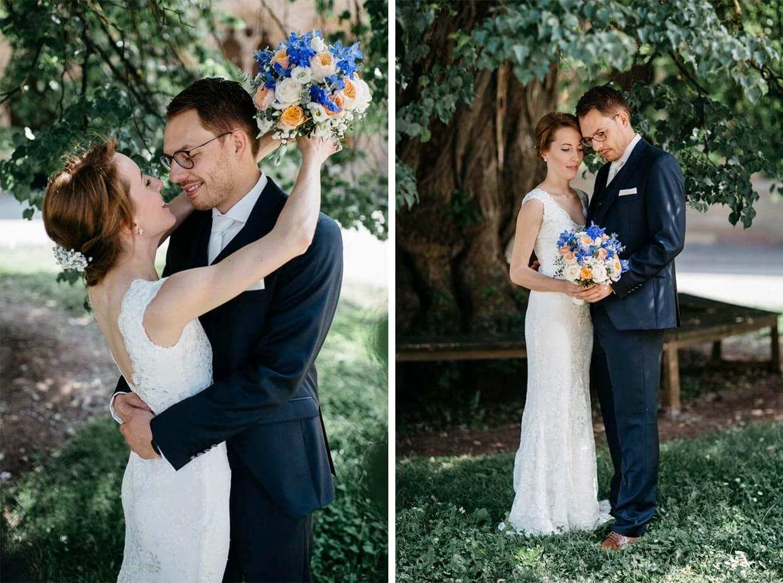Brautpaar genießt den Moment beim Brautpaarshooting