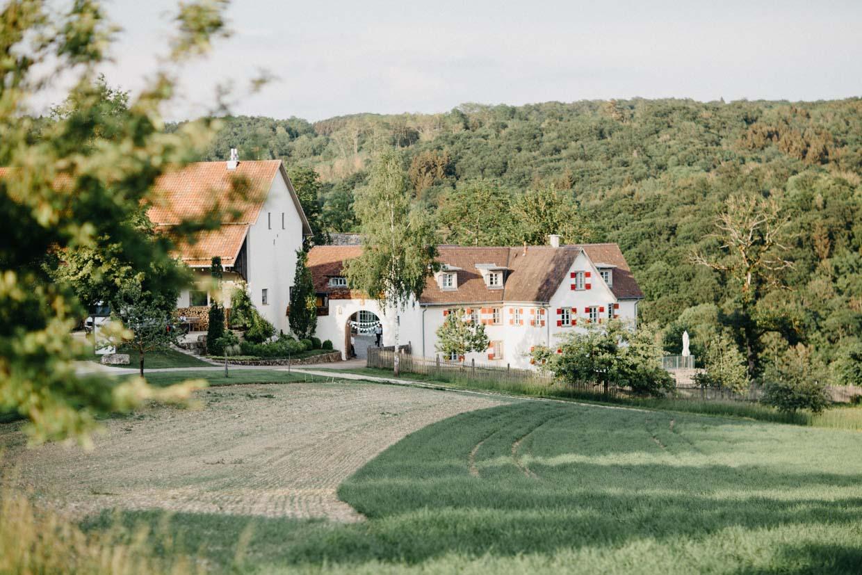 Hofgut Maisenburg von der Ferne