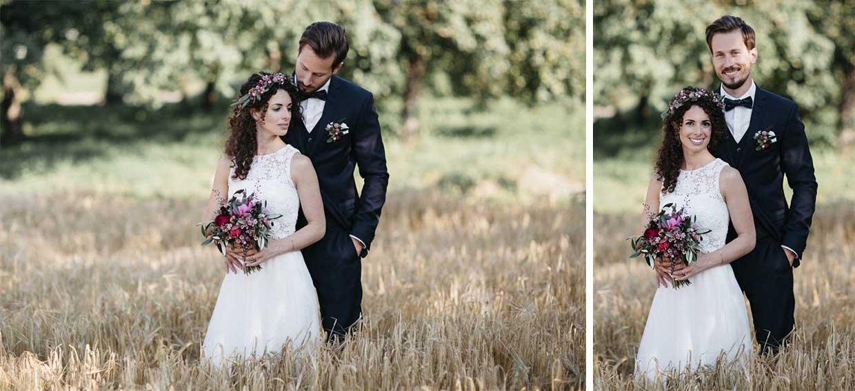 Brautpaar im Weizenfeld