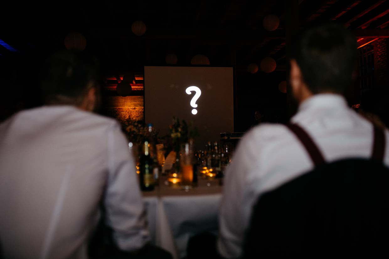 Beamershow am Abend auf der Hochzeit