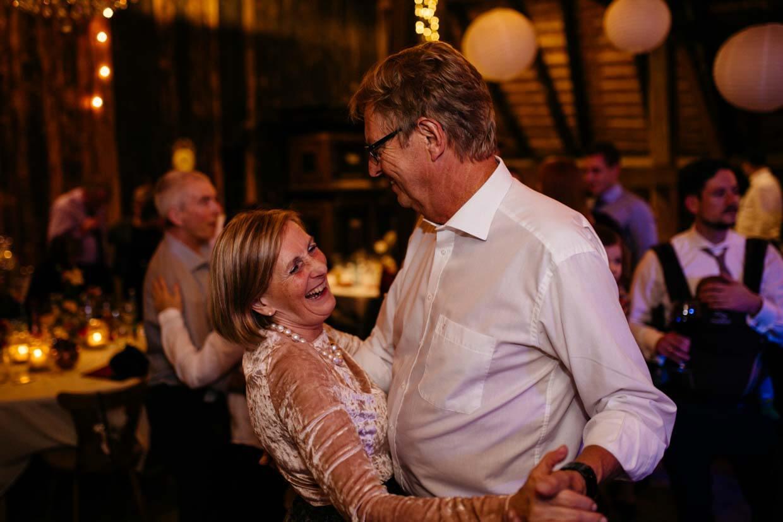 Brauteltern beim Tanzen
